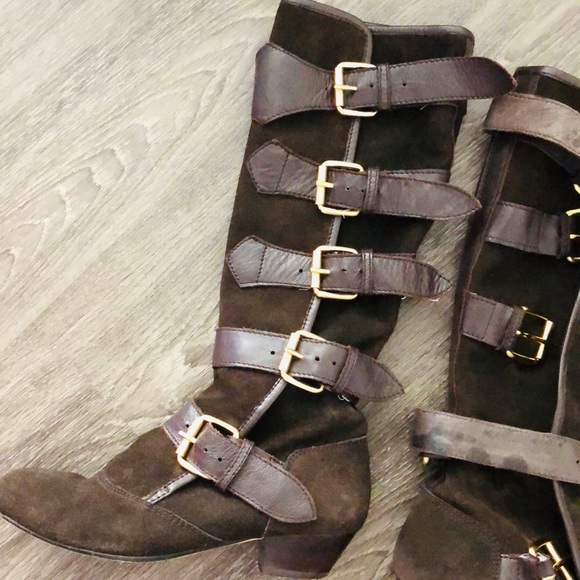 Dolce Vita Shoes - Beautiful Chocolate Brown Suede Buckle Boots